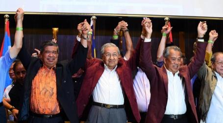 ملیشیا میں باریسن نیشنل اتحادکے60 سالہ اقتدار کا خاتمہ ، متحدہ اپوزیشن نے جیت کا پرچم لہرایا