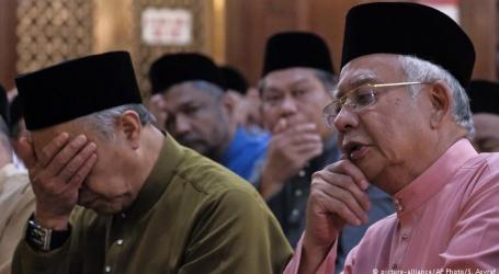 اقتدار سے محروم ہوتے ہی ملیشیا کے وزیر اعظم کا احتساب شروع ،بیرون ملک کے اسفار پر عائد کی گئی پابندی