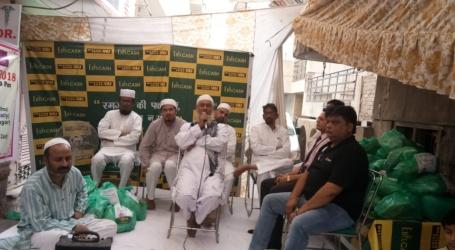 بٹلہ ہاؤس کے اوبلا ک میں ضرورت مندوں میں افطار کٹ کی تقسیم