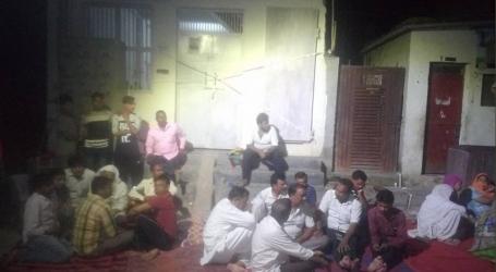 مدینہ مسجد کو سیل کئے جانے کے خلاف مسلمانوں کا احتجاج جاری ،خودکشی کرنے کی دی دھمکی
