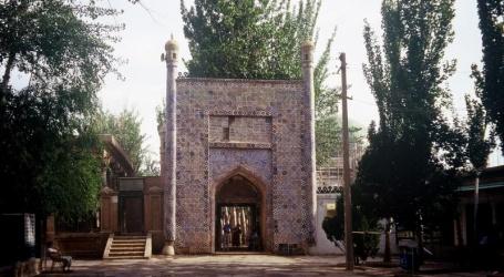 چین میں مسلمان اور دیگر اقلیات کی عبادت گاہیں