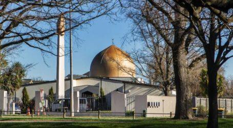 ہندوستان ،پاکستان اور سعودی عرب سمیت متعدد ممالک کے طلبہ نے تعمیر کی تھی مسجد النور ۔ دور دراز کے علاقوں سے مسلمان آتے ہیں یہاں نماز اداکرنے