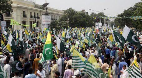 کشمیریوں کے ساتھ اظہار یکجہتی کیلئے پاکستان میں نکالی گئی ہزاروں احتجاجی ریلیاں