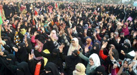 حکومت کو ہماری آواز سننی ہی ہوگی : آمنہ روشی  دیوبند عیدگاہ میں شدید بارش اور تیز ہواؤں کے باوجود خواتین کا احتجاج جاری !