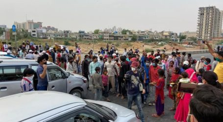 دہلی: غازی پور بارڈر پر مزدوروں کا غصہ پھوٹا، حکومت مخالفت نعرے بازی، پرینکا کی مدد کی پیشکش