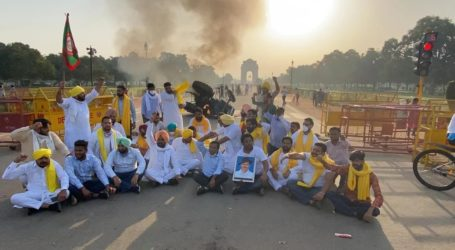 زرعی بل کے خلاف مظاہرہ، انڈیا گیٹ کے قریب ٹریکٹر کو مظاہرین نے لگائی آگ