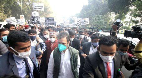 زرعی قوانین: راہل گاندھی '2 کروڑ دستخط' کے ساتھ صدر جمہوریہ سے ملاقات کرنے کے لئے نکلے