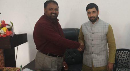 شمس الضحی خان نے یوپی کے ریاستی صدر شوکت علی سے لکھنؤ دفتر میں کی ملاقات