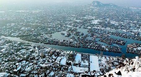 کشمیر: ریکارڈ ساز سردیاں جاری، آبی ذخائر منجمد