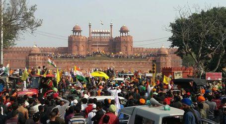 کسان تحریک: لال قلعہ پر تشدد کے بعد سو سے زائد کسان لاپتہ، اہل خانہ پریشان
