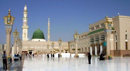 فاصلہ برقرار رکھنے کے پیشِ نظر کھولی گئی مسجد نبوی کی چھت، آج سے ادا کر سکیں گے نماز