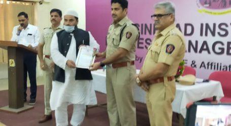 'مشن کوئی بھوکا نہ سوئے' کو ممبئی پولیس نے اعزاز سے نوازا