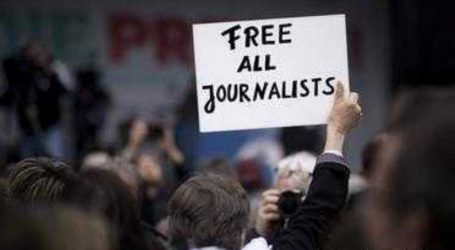 وبا کے دور میں پریس کی آزادی پر زبردست دباؤ