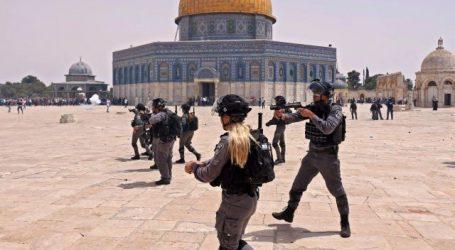 جنگ بندی کے باوجود مسجد اقصیٰ میں اسرائیلی پولیس کا نمازیوں پر گرنیڈ حملہ