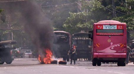 میانمار میں بم دھماکہ، رکن پارلیمان سمیت 5 افراد ہلاک