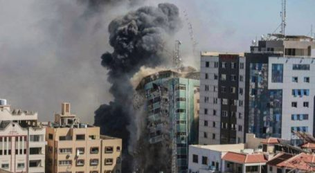 غزہ میں الجزیرہ اور دوسرے بین الاقوامی میڈیا ہاؤسز کی عمارت پر بمباری، پوری عمارت زمیں بوس