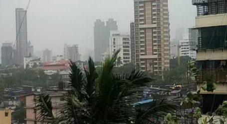 گردابی طوفان تاؤتے سے ممبئی بے حال، ریکارڈ بارش سے تباہی کا منظر