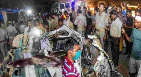 کانپور میں زبردست سڑک حادثہ، پل سے نیچے گری بس، 17لوگوں کی موت، وزیر اعظم کا اظہارِ افسوس
