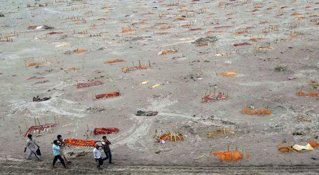 گنگا کے گھاٹوں پر دفن لاشوں سے متعلق عرضی الہ آباد ہائی کورٹ سے خارج، عرضی گزار کو تحقیق کرنے کی صلاح