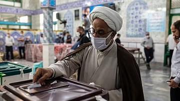 آیت اللہ علی خامنہ ای کے حمایت یافتہ سید ابراهیم رئیسی ایران کے نئے صدر منتخب