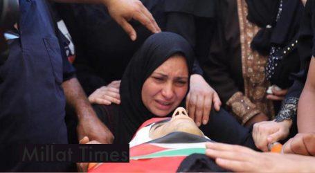اسرائیلی فوج کا شہید فلسطینی کے جنازے کے جلوس پر حملہ