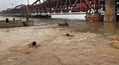 بہار: سیلاب نے ٹرینوں کی رفتار پر لگایا قدغن، کئی ٹرینیں منسوخ، کئی نے بدلا راستہ