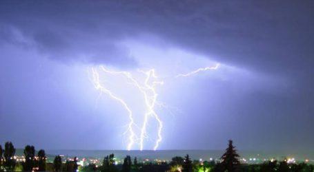 مدھیہ پردیش میں شدید بارش کے درمیان آسمانی بجلی گرنے سے 5 افراد جان بحق